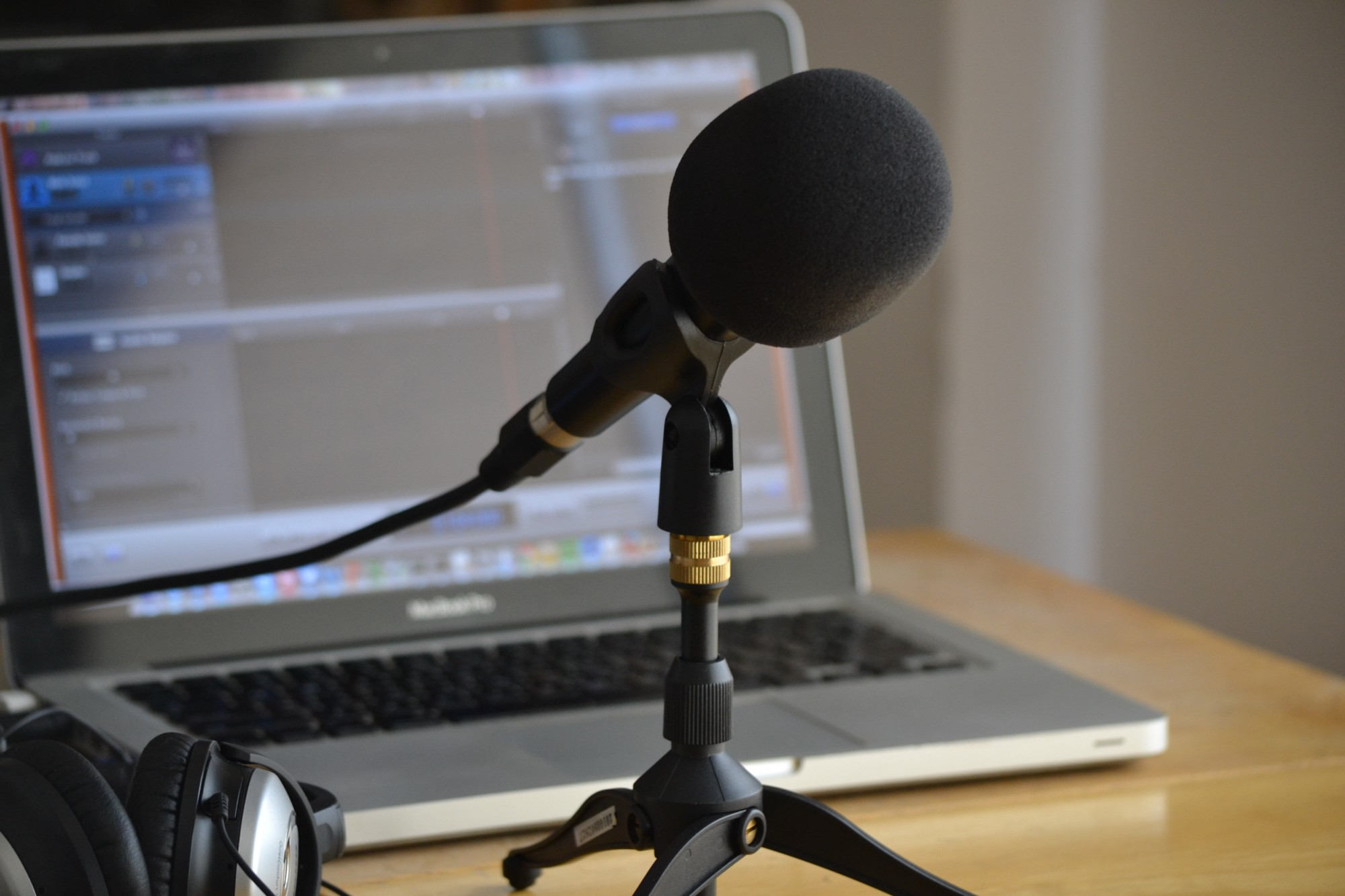 now interviewing candidates for new podcast initiatives. inbox us at info@webfilmbooks.com